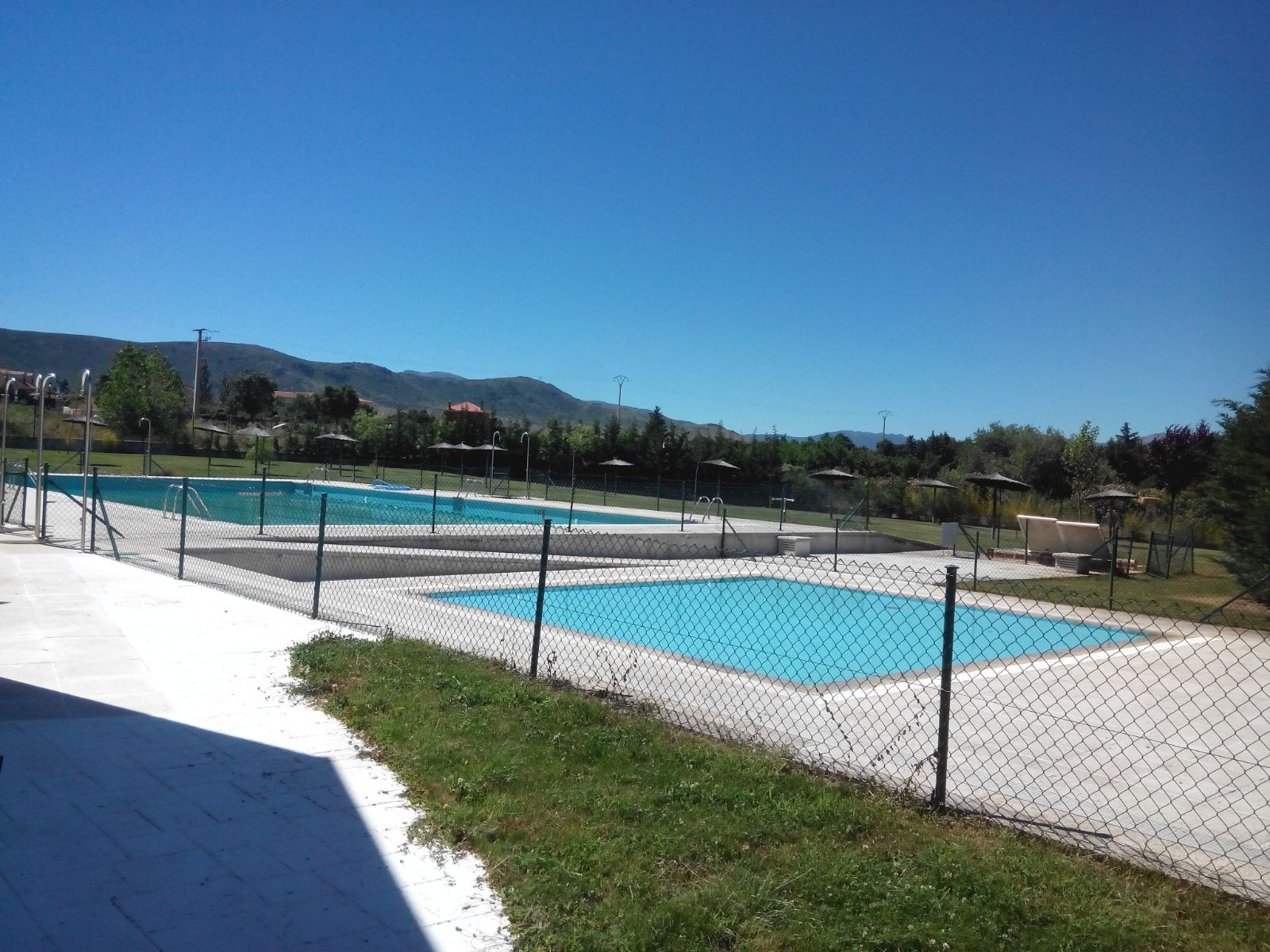 piscina torrecaballeros